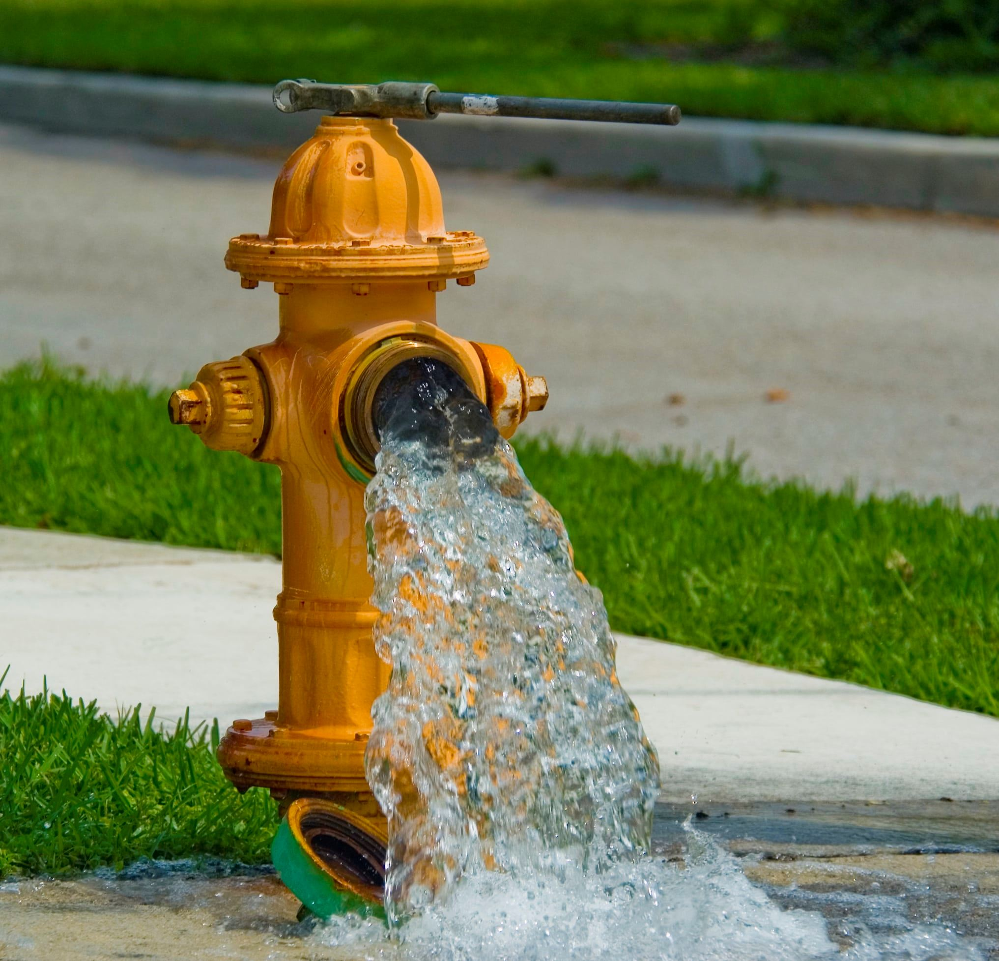 fire-hydrant-flowing